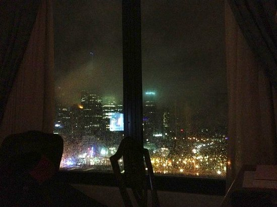 The Langham, Melbourne: View from bed - check out the fog