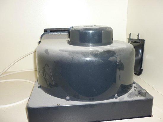 Alcazaba de Busquistar: mueble de cocina super sucio