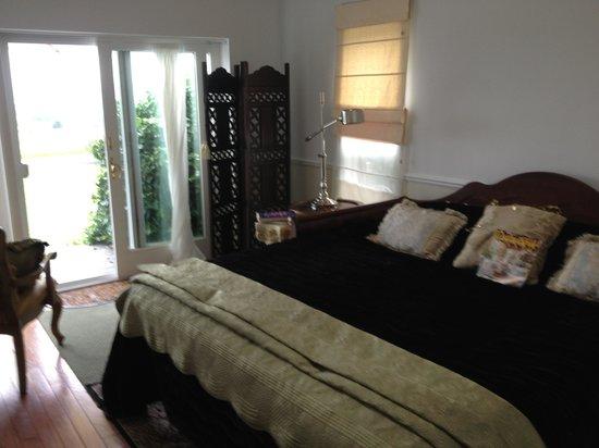 Cayuga Lake Front Inn: Tuscan Suite