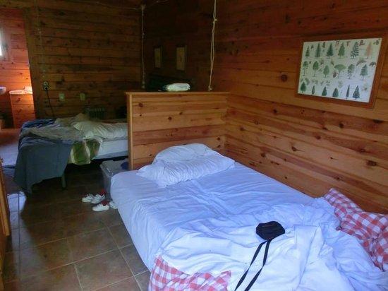 Mas de Borras: cabaña por dentro, al lado hay otra habitación para otros huéspedes