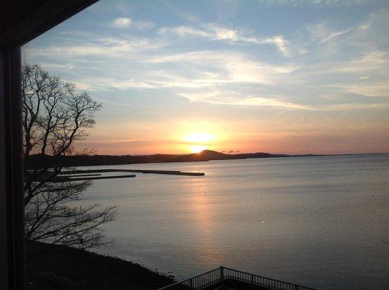 Route-Inn Grantia Saromako: サロマ湖の向こうに日が沈みました。