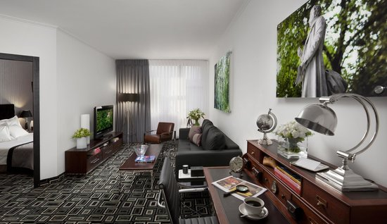Alexander Tel-Aviv Hotel: Executive One bedroom Suite - living room