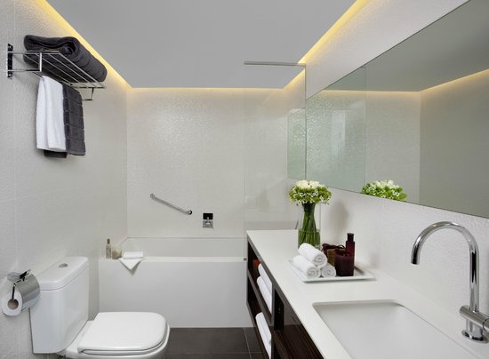 Alexander Tel-Aviv Hotel: Executive One bedrom - bathroom1