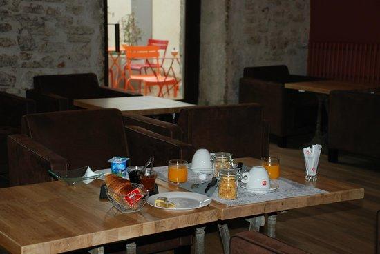 Le Passage : petit déjeuner inclus - breakfast included - desayuno incluido