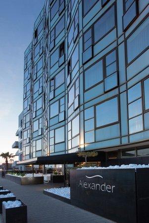 Alexander Tel-Aviv Hotel: Hotel Front
