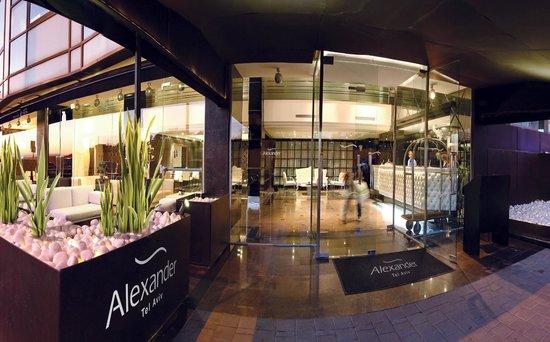 Alexander Tel-Aviv Hotel: Hotel Entrance