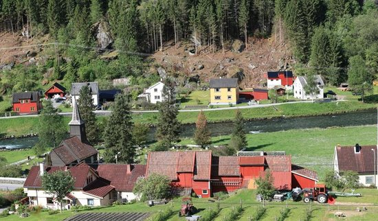 Flam Oppleving: Looking down into the real Flam Village