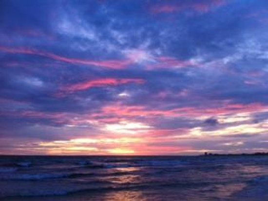 Tropical Beach Resorts: Sunsets are AMAZING!!!!
