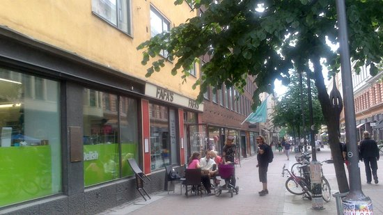 Photo of Fast Food Restaurant Fafa's at Iso Roobertinkatu 2, Helsinki 00120, Finland