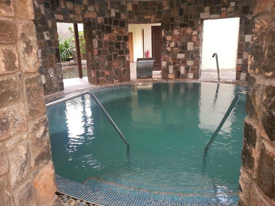 Angsana Balaclava Mauritius: after sauna cooler pool
