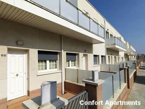 Hotel Playafels : Fachada apartamentos confort Playafels