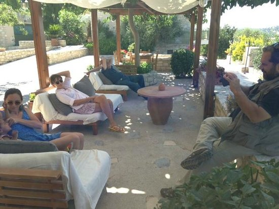 Dalabelos Estate: An afternoon resting in the terrace of the restaurant