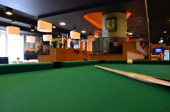 MEININGER Hotel Amsterdam City West: sala comune e colazione