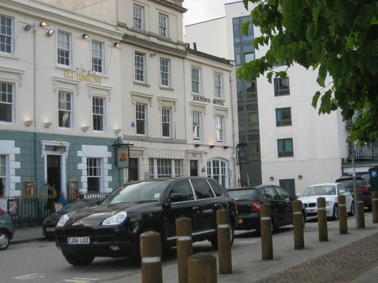 Jolyon's at No. 10: The Jolyon's Hotel from across the street.