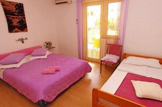 Villa Vera : bed