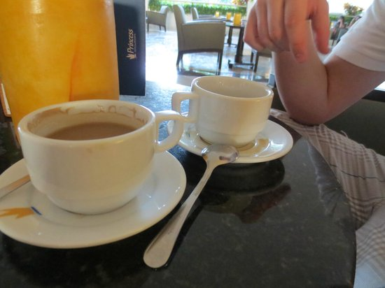 Grand Sunset Princess All Suites Resort: Coffee with Bailey's before dinner !