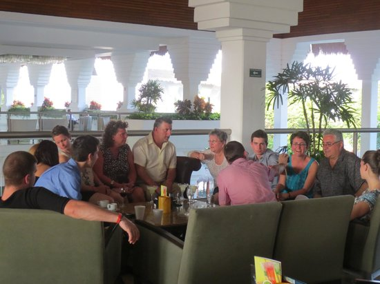Grand Sunset Princess All Suites Resort: Some of our group in the lobby