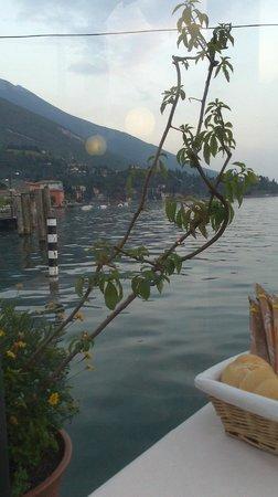 Ristorante Pizzeria Italia Da Nikolas: Wonderful location to watch the lake