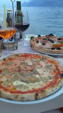 Ristorante Pizzeria Italia Da Nikolas: Pizzas - not the best we've ever had