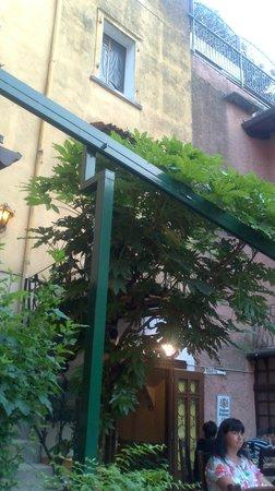 Taverna dei Capitani: Nice courtyard