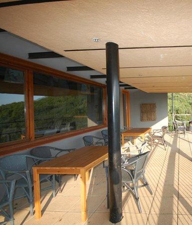 Hotel Rural Porta Coeli: balcony outside restuarant