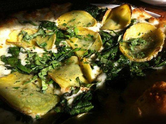 Osteria Stellina: Killer potato, spinach, cheese pizza