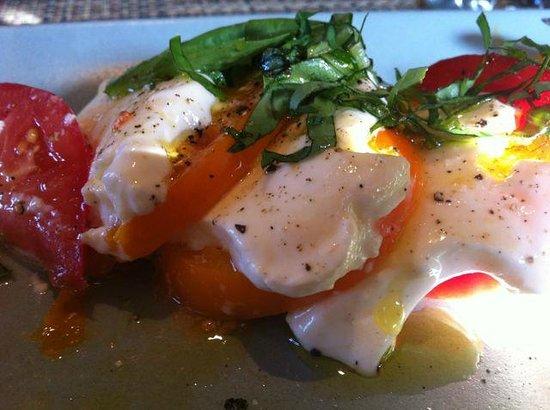 Osteria Stellina: Heirloom Tomato and Mozzarella Salad