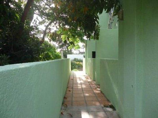 Costa Pinar Apartamentos: access