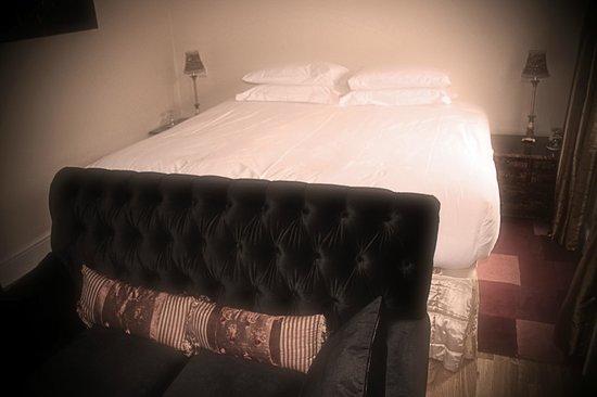 The Inn at Grinshill: bedroom