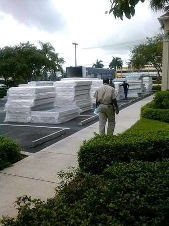 Extended Stay America - Fort Lauderdale - Tamarac : Upgrading, new mattress