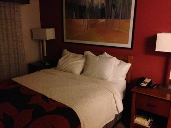 Residence Inn Boulder Longmont: super comfy bed