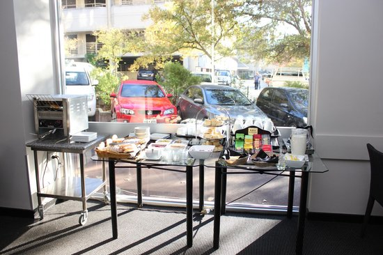 Sullivans Hotel: Breakfast Spread