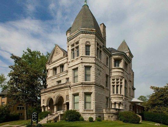 Conrad-Caldwell House Museum (Conrad's Castle): The Conrad-Caldwell House Museum