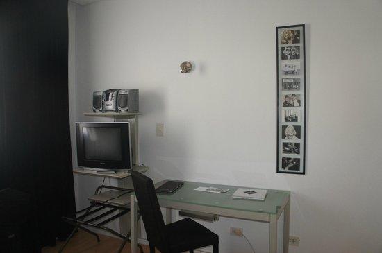 Broadway Hotel & Suites: quarto
