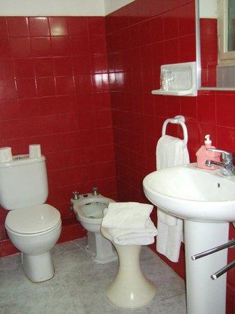 Hotel Los Globos: el baño