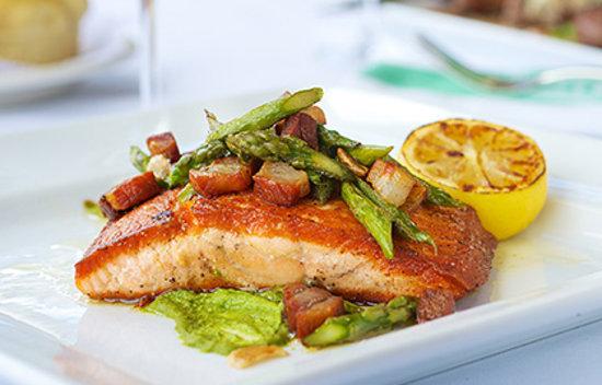 Smith & Wollensky - Philadelphia: Oven Roasted Salmon