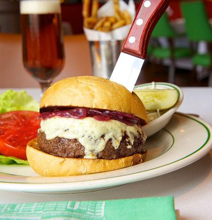 Smith & Wollensky - Philadelphia: Cajun Gorgonzola Burger