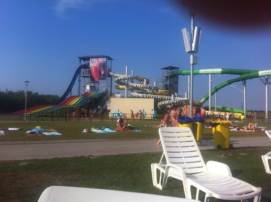 ‪AquaPark Petroland‬