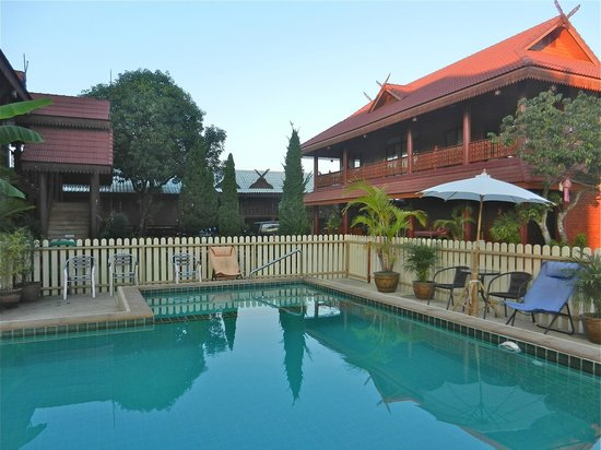 Ben Guesthouse: Guesthouse mit Pool