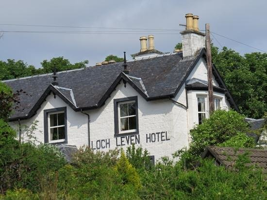 The Loch Leven Hotel : Add a caption
