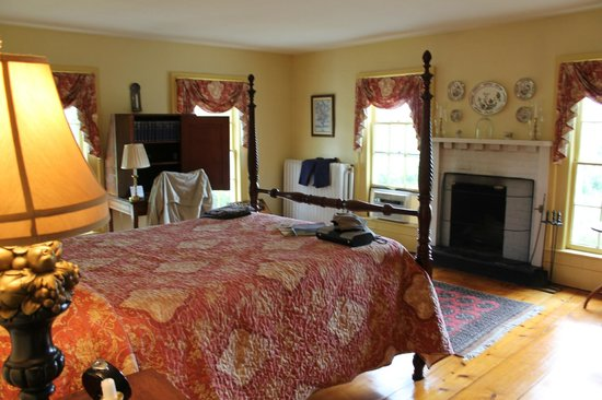 Halcyon Place Bed and Breakfast: The Houghton Room