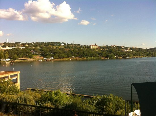 Hampton Inn Marble Falls-On The Lake: View of Lake