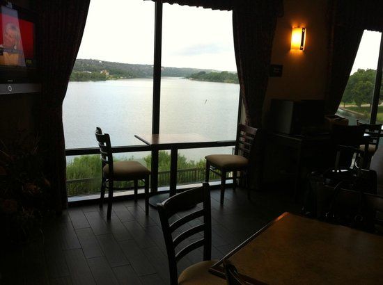 Hampton Inn Marble Falls-On The Lake: View from Dining Room