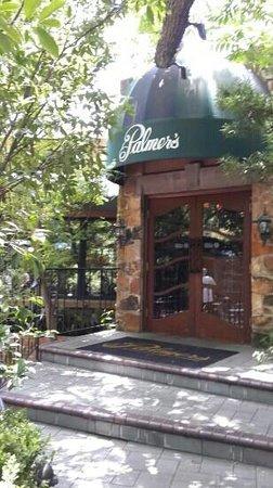 Palmer's Restaurant Bar: Nice entrance