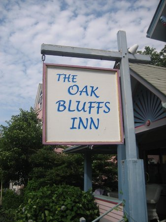 Oak Bluffs Inn: When you see this sign you know you're in the right place!