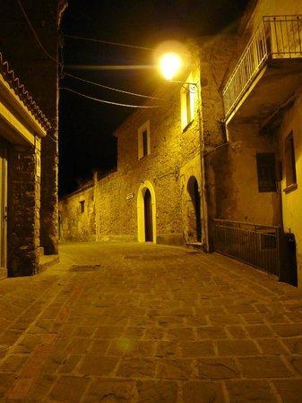 Casa Vacanze Palazzo della Cortiglia: Pollica的街道