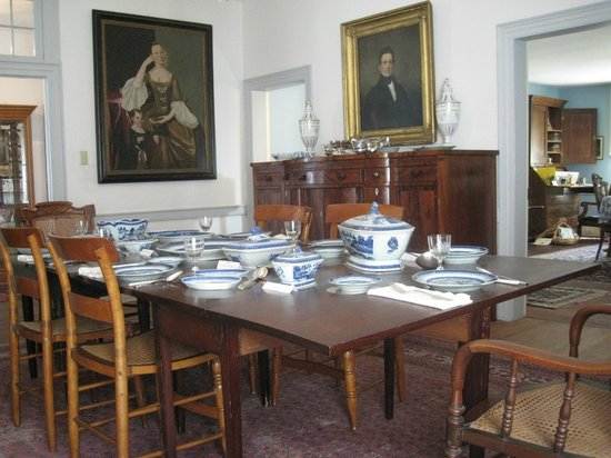 Kent Delord House Museum: The dining room