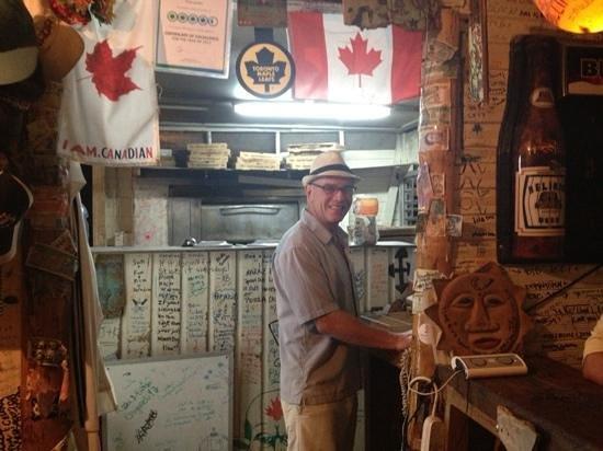 Pizza Caulker : the owner