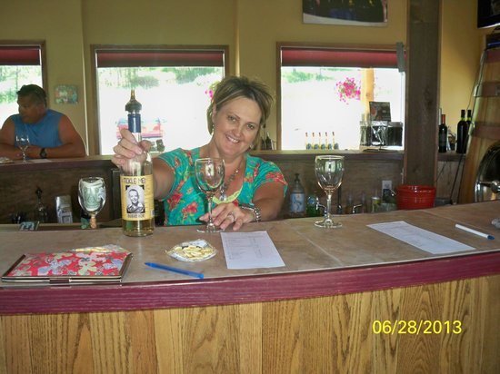 Stone Faces Winery: our wine expert