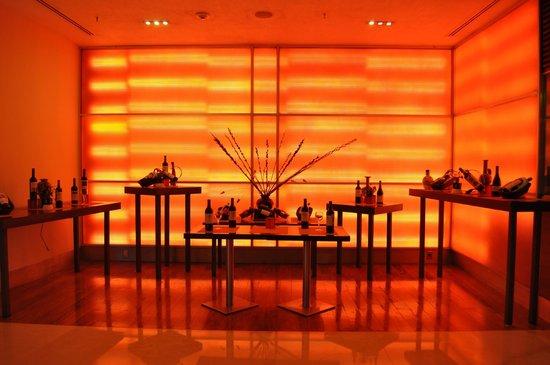 Evita Restaurante: En exhibición los mejores Vinos
